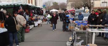 Vide-grenier/brocante de la fête du printemps au Port des Callonges Saint-Ciers-sur-Gironde