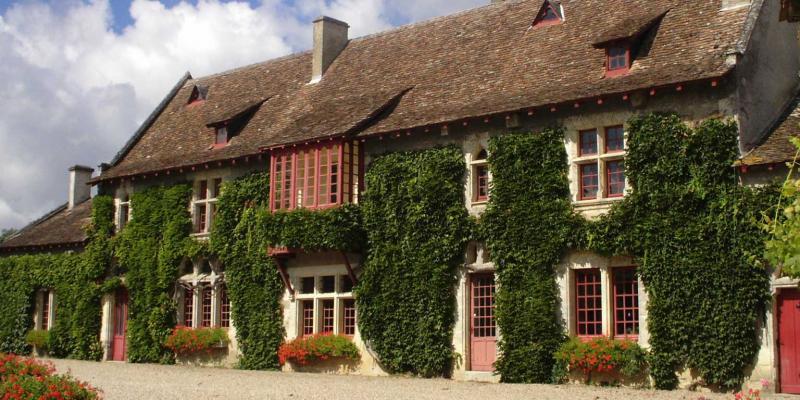 PUYFROMAGE : Vin - Patrimoine - Randonnée
