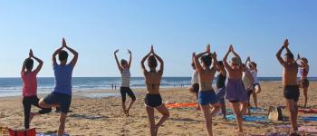 Cours de yoga sur la plage Seignosse